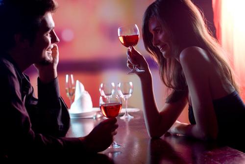 couple_dining_romantic