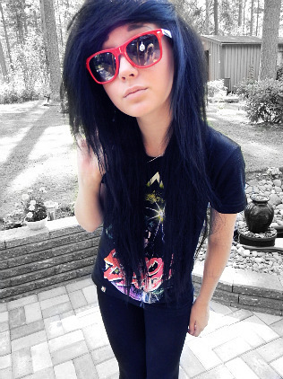 beautiful-drop-dead-emo-emo-punk-girl-Favim.com-259748_large